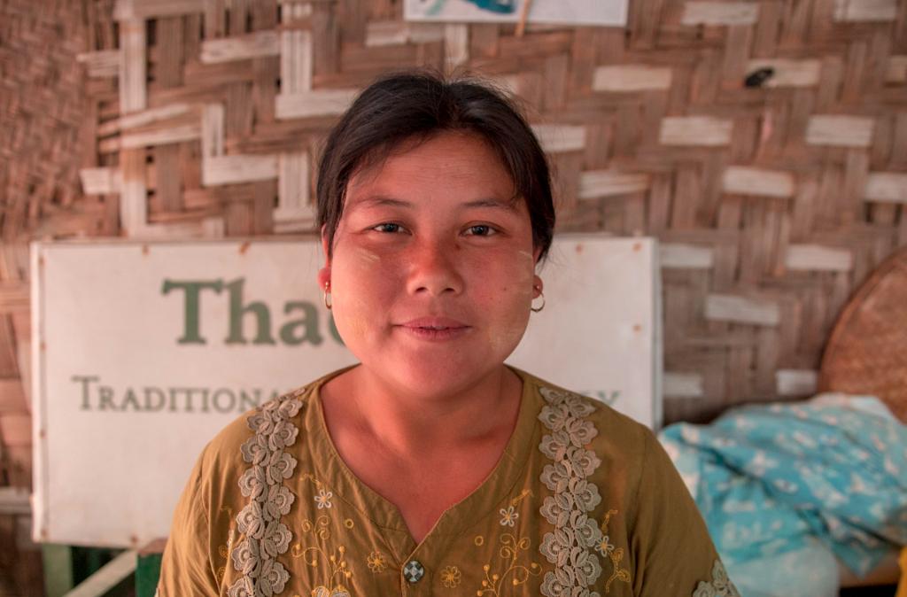 myanmar, birmanie, Nyaung Shwe, thanaka, femme birmane