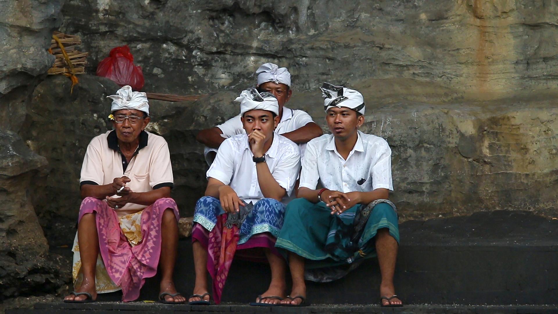 Indonésie, Bali, prières, hindouisme, pura tanah lot