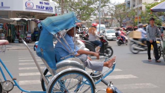 Hô Chi Minh, saigon, cyclo-pousse, trafic, vietnam