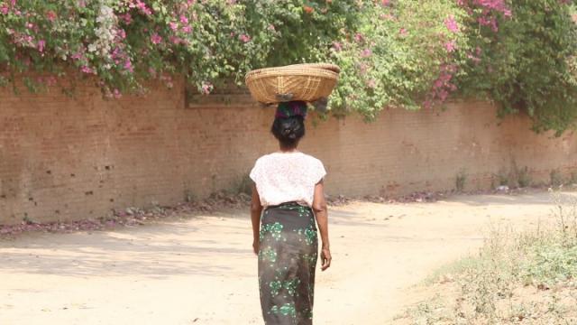 myanmar, birmanie, bagan, burmese woman, femme birmane