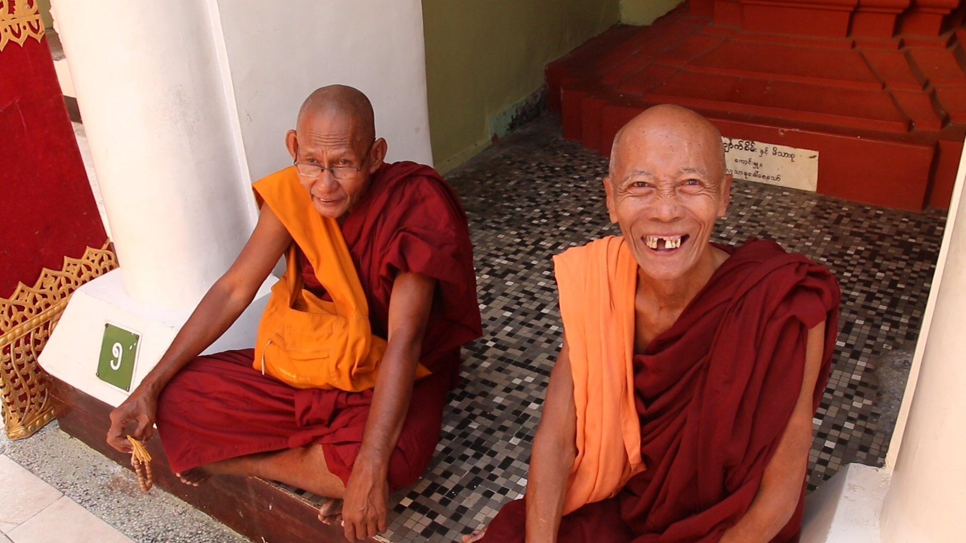 myanmar, birmanie, yangon, shwedagon, moines