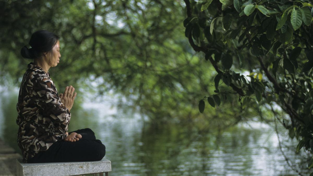 Lac de Hoan Kiem Hanoi Vietnam