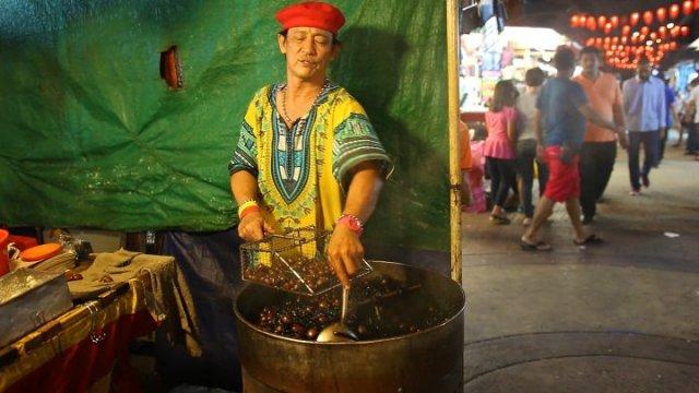 Chinatown, Kuala Lumpur, marrons, vendeur
