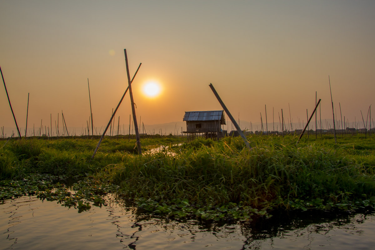 Birmanie, lac Inle, coucher de soleil
